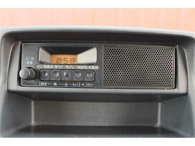 純正のラジオが付いています。