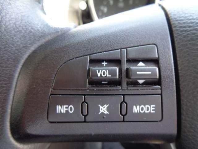 ハンドルから手を離さずに、オ-ディオ等操作できるステアリングスイッチ。お問い合わせは03-5672-1023へ
