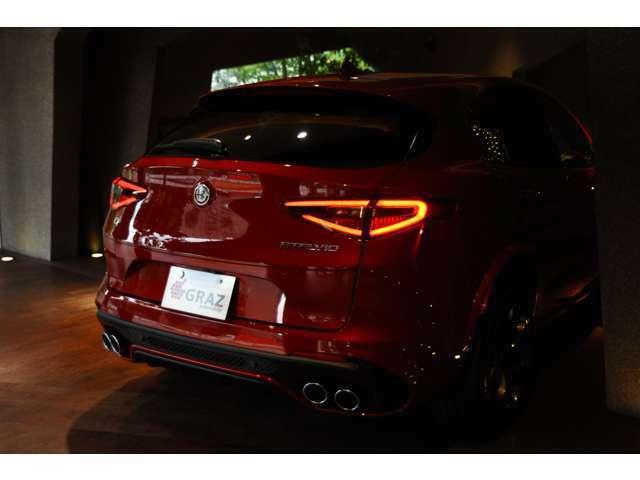 0km~100kmはなんと3.8秒!SUV?いやいや、もはやスポーツカー。速さと美の両立を高次元で表現されております。