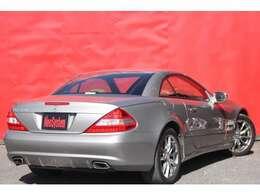 当店はメルセデス・ベンツ専門の中古車販売店です!【正規ディーラー車】、【修復歴無し】のお車のみを取り扱っております!