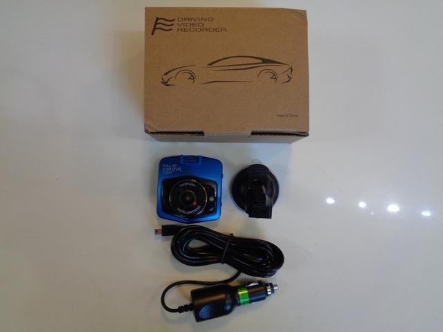 御成約プレゼントとして新品のドライブレコーダーを御用意致します。御契約のお客様に、安心安全で楽しめるカーライフを御提供したく、御準備させて頂きました。取付・施工等はスタッフへご相談お申し付け下さいませ