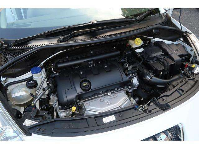 エンジン信頼のBMW製電子制御燃料噴射式直列4気筒DOHC1598ccタイミングチェーン交換不要120ps馬力(88kW)6000rpmトルク16.3kg・m(160N・m)/4250rpmカタログ値