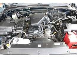 経済性に優れた2TRエンジン2700cc!