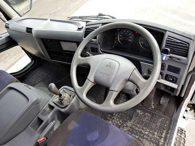 全車に納車より1ヵ月間の保証もしくは,走行距離1000kmの保証がついています。車両基本部分へ修理保証をお付けいたします(車両架装部分は保証対象外となります)
