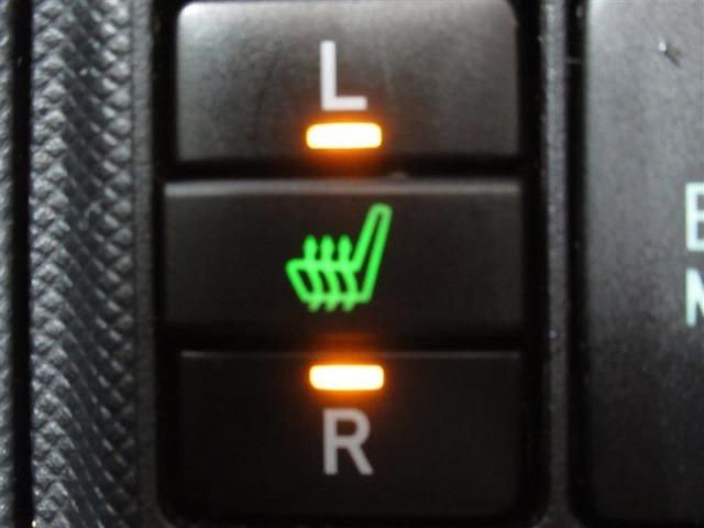 冬でも暖かい運転席&助手席シートヒーター付!