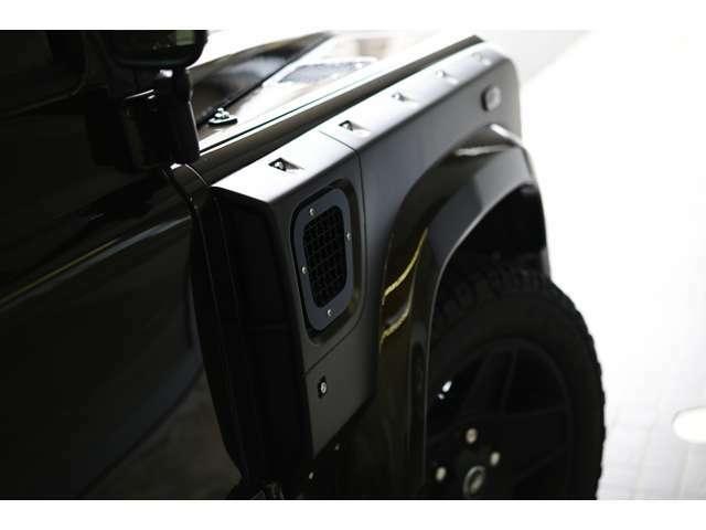 Kahn Chelsea Wide Truckフルコンプリート車両/AT/スチールバンパ/Xランダーグリル/メッシュサイドエアベント/Kahnアルミホイール/サイドステップ/フロント&リアワイドフェンダー