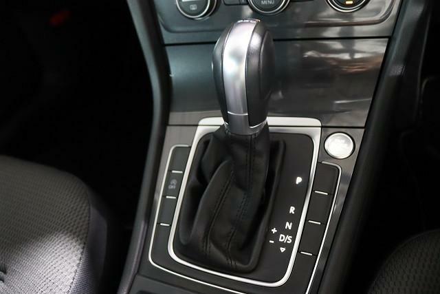 フォルクスワーゲン独自の技術、エンジンのパワーを的確にタイヤへ伝えるDSG。7速オートマチック。