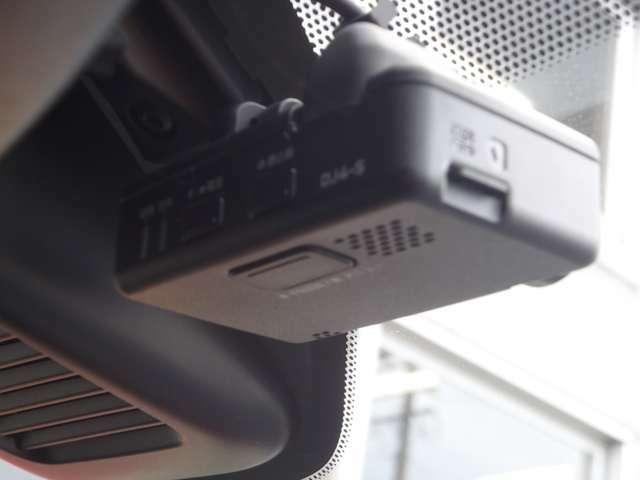 運転を常時記録、もしものの際の安全運転を確認、ドライブレコーダー装着♪