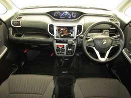 開放感あふれる広いガラスエリアと高めのアイポイントにより、運転席からの見晴らしはすばらしいですよ★☆