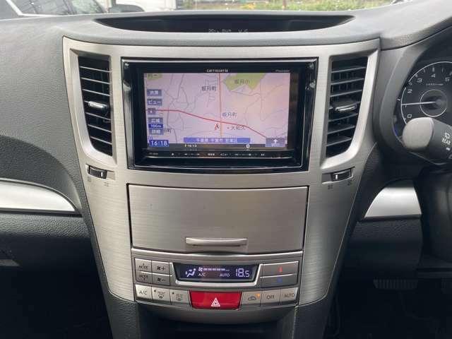 HDDナビ付き♪ナビがあればドライブが安心で楽しくなりますね♪また、フルセグにてテレビ視聴可能です♪退屈な渋滞の時重宝します♪