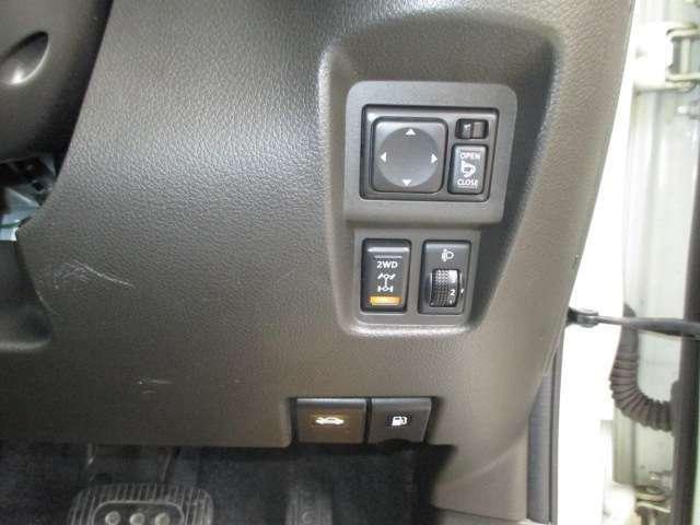 運転席周りのスイッチ類もとても操作しやすいです!