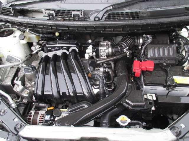 エンジンルームです。スチームがけでエンジンルームの汚れも綺麗にクリーニング!エンジンルームが綺麗ですと、不具合等の発見もし易く、コンディションのチェックや維持の面でとってもプラスです。。