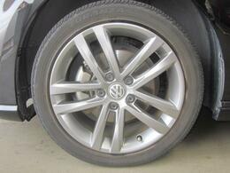 新品タイヤに交換後、納車いたします。