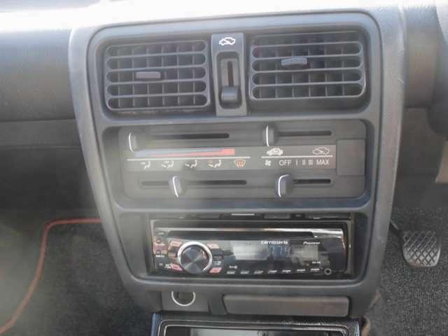 エアコン取り外しではなく、エアコンレス車両です
