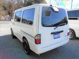 ※ 29年の高年式です!  ★ ワンオーナー ・ 4WD ・ 5速ミッションです!  ★ リヤガラスは、カーフィルム貼っています! ※ 後部座席はプライバシー保護に役立ちます。