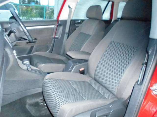 非常に丈夫で頑丈に作られているRECARO社と共同開発の高級感があるモッケット調のシートです!少し硬めなこのシートは長距離のロングドライブでも連れを感じさせません。万が一の時にも大切な乗者を守ってくれます!