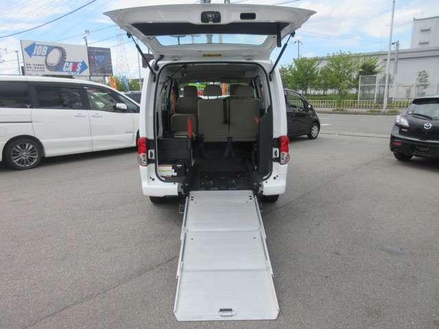 車いす1基積み込み可能!車いすに乗ったまま乗車できます☆