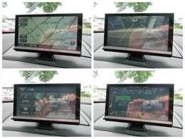 社外ナビが装備されております♪画面もクリアで運転中も確認しやすいです♪ワンセグTVの視聴もお楽しみ頂けます♪バックカメラも装備されておりますので駐車時に後方の確認ができ安心です♪