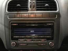 CD付きです。当たり前の装備ですが、無くちゃ困りますよね!いい音かけて、快適空間を演出して下さい!