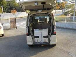 車椅子スローパー電動ウインチ付き