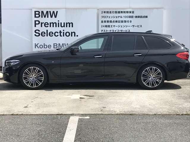 "BMWのお車は、""駆け抜ける歓び""を体現しております。走行の安定性とコーナリングの良さを追求し、思い通りにハンドルの操作可能です。"