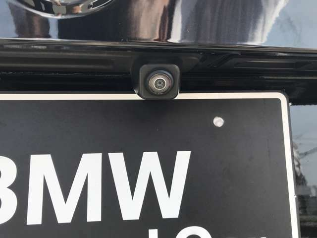 バックカメラが装備されております。