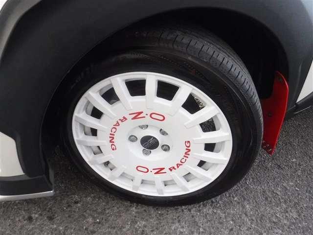 225/50R/18サイズのタイヤを装着しています。