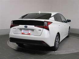 ロングラン保証、トヨタのU-CAR保障は全国のトヨタテクノショップにて1年間、走行距離無制限がついて、遠方へのドライブでも安心できます