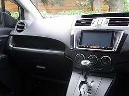 地デジTV[フルセグ&ワンセグ自動切換]/DVD再生/SDカード/Bluetooth接続対応ナビゲーションシステムなどオプション装備を含め充実の装備内容となっております!!