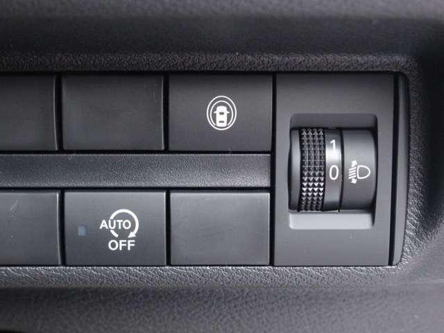 環境に優しいアイドリングストップ装備です。アイドリングストップとは、赤信号や渋滞などでお車を停車した際に、エンジンが停止する仕組みのことを指します。