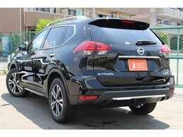 【車の森なかもず店】は、南大阪最大級の在庫数!国産オールメーカーの登録済み未使用車だけを常時100台以上取り揃えております!