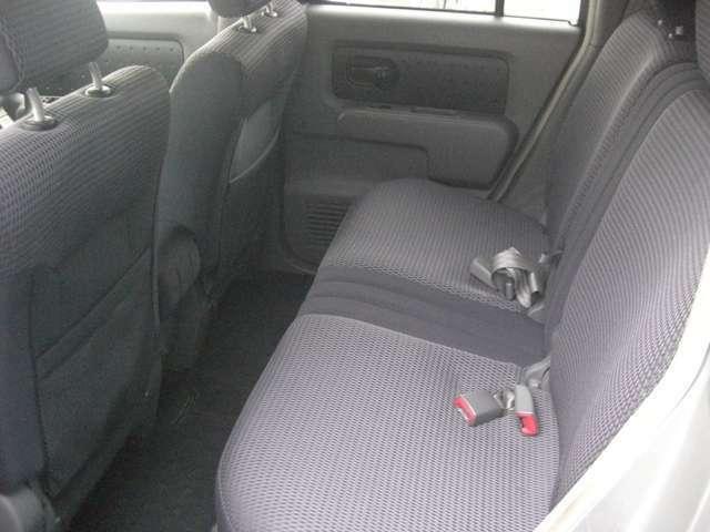 リアシートもゆったり座れます!チャイルドシートの取り付けもしやすく、ママも嬉しい