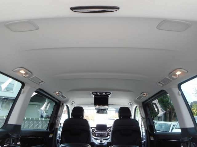 当社が仕入れをするお車はすべて禁煙車にしております。喫煙されていると、ニコチンやタールがシートの裏やジュータン、本革シートに付着して内装クリーニングをしても綺麗に取り除く事が出来ません。重要です。