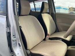 座り心地と静粛性を上げたフロントシート。リクライニング機能やスライド幅も大きくなっております。