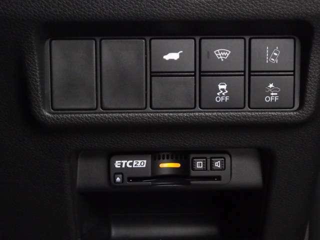 ETCを装備しております。セットアップをしてお渡しさせて頂きますので、納車当日からでもETCカードがございましたら高速道路をご利用可能です!