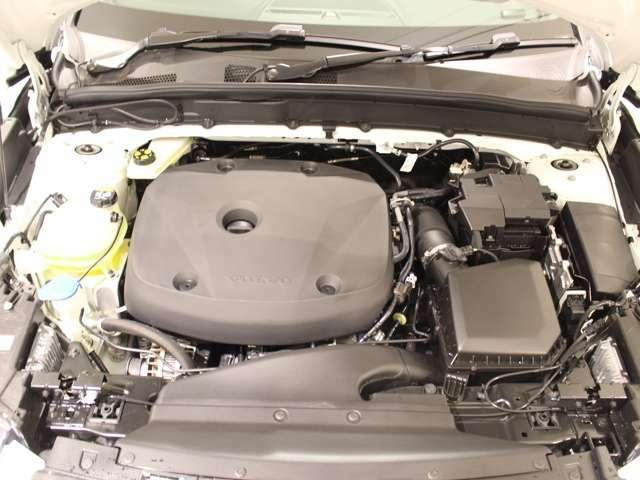パワフルな2.0L ガソリンエンジン