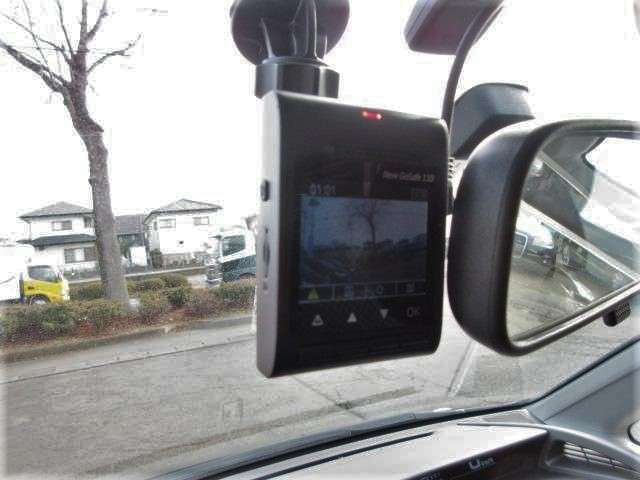 ドライブレコーダーが装備されております♪映像が記録として残せるので万が一の時のためにも装備されていると嬉しい装備です♪