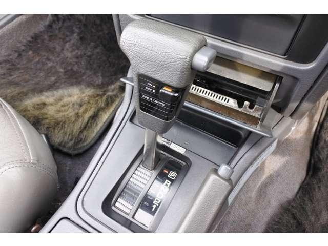 インディオ アウト レットを御覧頂き有難うございます!高年式車両を中心としてお買得車輌が勢ぞろい!品質にこだわり仕入れをしているから、状態の良い車輌ばかりです!是非ご検討下さいませ。