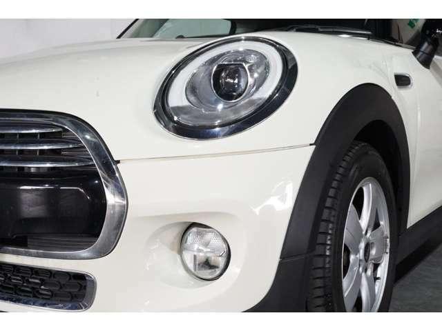 プレミアムセレクション勝どきのお支払総額は、車両本体価格、環境性能割、月割自動車税、リサイクル料金、印紙代、希望ナンバー代、車庫証明代行費用、登録代行料金が含まれております。