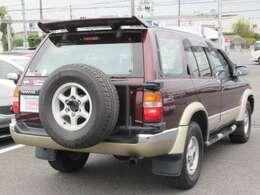 迫力ある背面タイヤが4WD感を更にかもしだしますね!