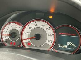 走行は655km。メーター内のインフォメーションディスプレーは燃費計やシフト位置などなど、色んな情報を提供致します。