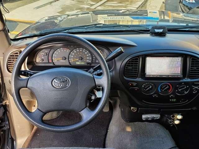 ハンドル擦れも無くメーター廻りもスッキリしております☆ガラスも広く視界も良好で運転しやすいコンディションになっております☆もちろんエアバックも付いていますのでご安心ください。