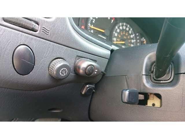 運転席シート★綺麗・清潔に仕上げております。オイル交換やその他点検等は当社にお任せください!