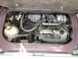 きれいなエンジンルーム!納車前にはしっかり点検整備致します!
