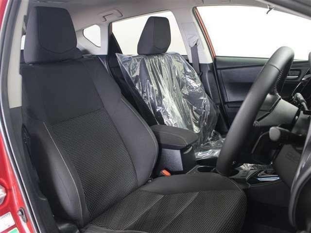 運転席はドライバーの居心地や運転の快適性を左右する大切な場所です。クリーニング済みでなので気持ちよく使用していただけます