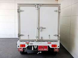 荷台内寸 長さ173cm×幅130cm×高さ109cmの広~い空間を実現しています☆