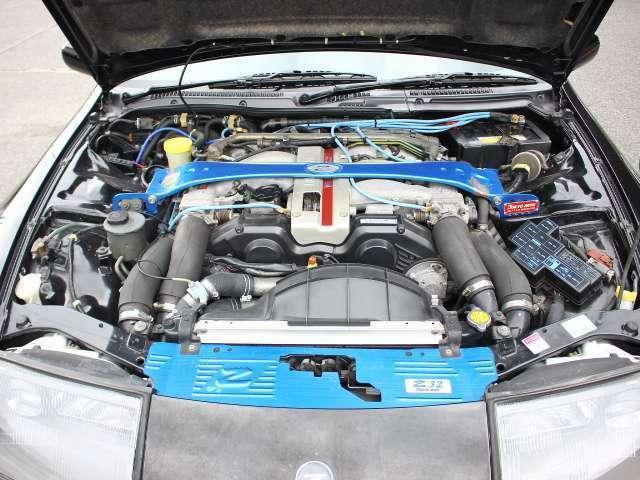 VG30DETT型V型6気筒DOHC24バルブインタークーラー付きツインターボエンジン♪