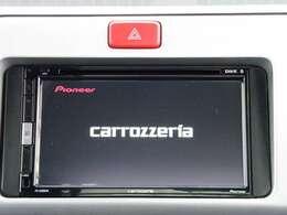 6.8V型ワイドVGAモニター/DVD-V/VCD/CD/Bluetooth/USB/チューナー。