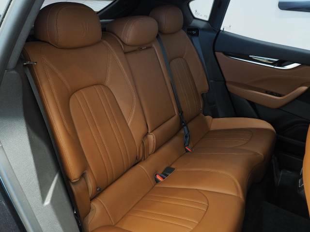 抗菌・防臭・防汚に最適なインテリアコーティングが施工可能。高分子被膜が長期的に車内を抗菌し続けクリーンな状態に保つことが出来ます。
