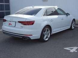 Audi認定中古車ならではの安心保証、Audiならではの、安心を、ぜひその手に。安全で快適なAudiライフを送るために、充実した保証サービスを提供させていただいております。より質の高いカーライフをお約束